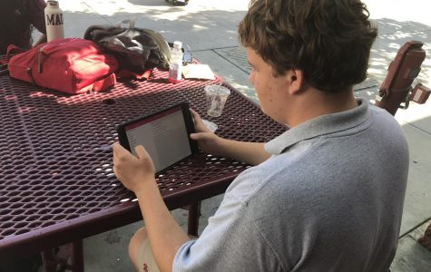 Students, faculty adjust to switch from Blackboard to Canvas