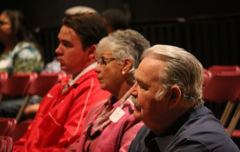 Mater Dei Students Welcome their Grandparents On Campus