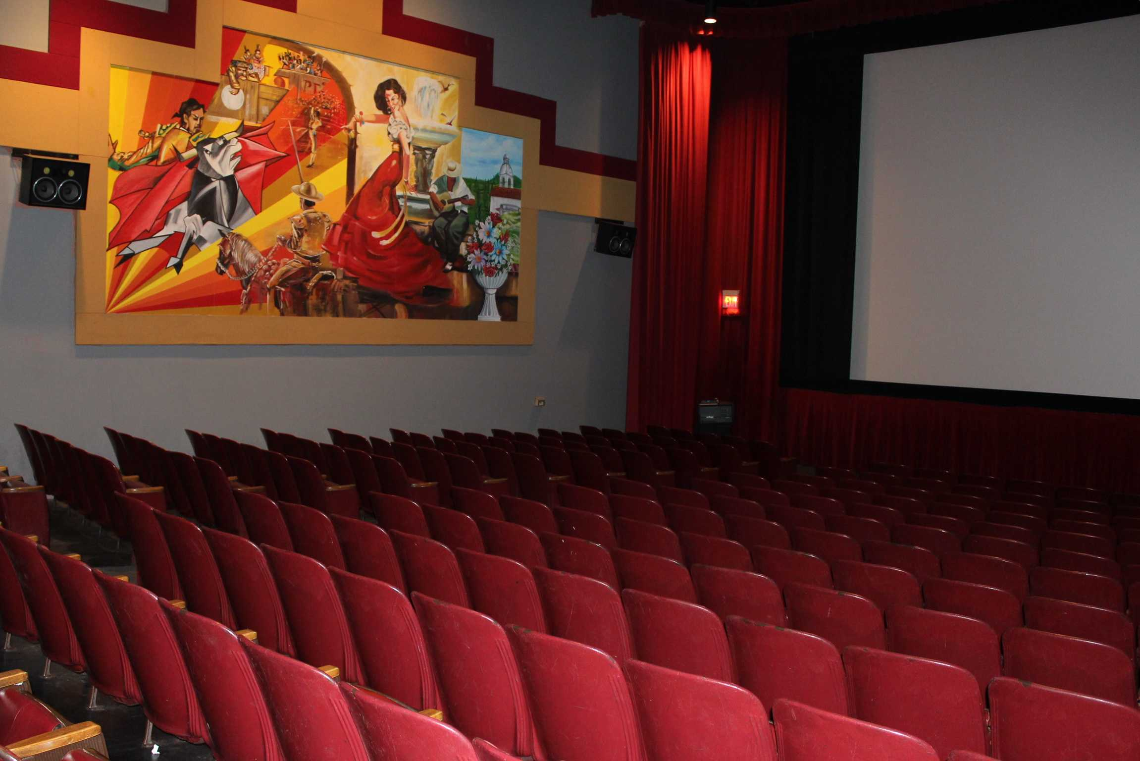 The+second+screening+room+is+also+used+for+special+events+such+as%2C+student+film+screenings%2C+festivities+and+charitable+events.