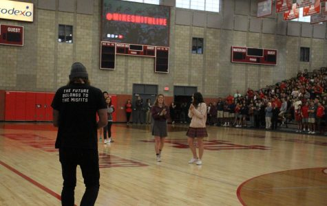 Mike Smith empowers student community with messages of kindness in action