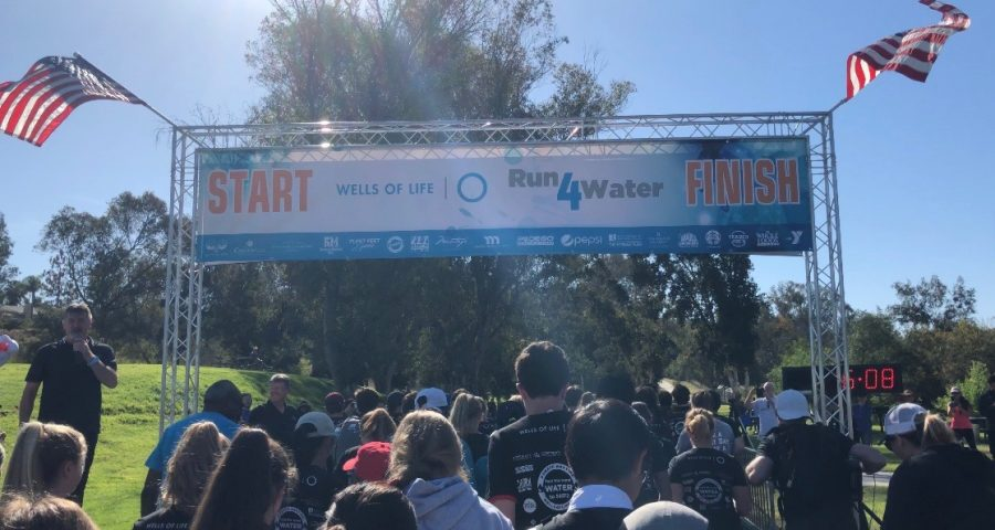 All of the Wells of Life Run4Water participants begin their race to raise awareness of those around the country in need of clean water.